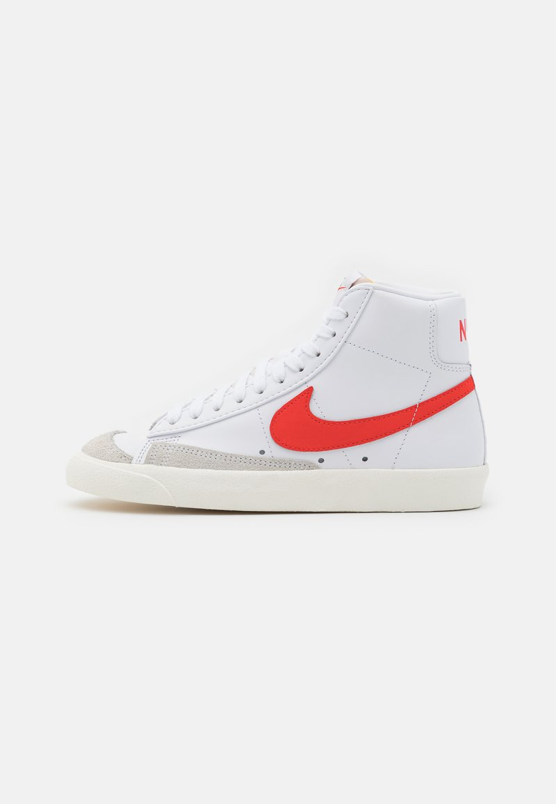 Nike Sportswear - BLAZER MID '77 - Sneakers hoog - white/habanero red/sail