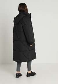 Urban Classics Curvy - LADIES OVERSIZE COAT - Winter coat - black/black - 4