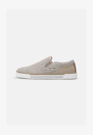 RODRIGO 100 - Sneakersy niskie - beige