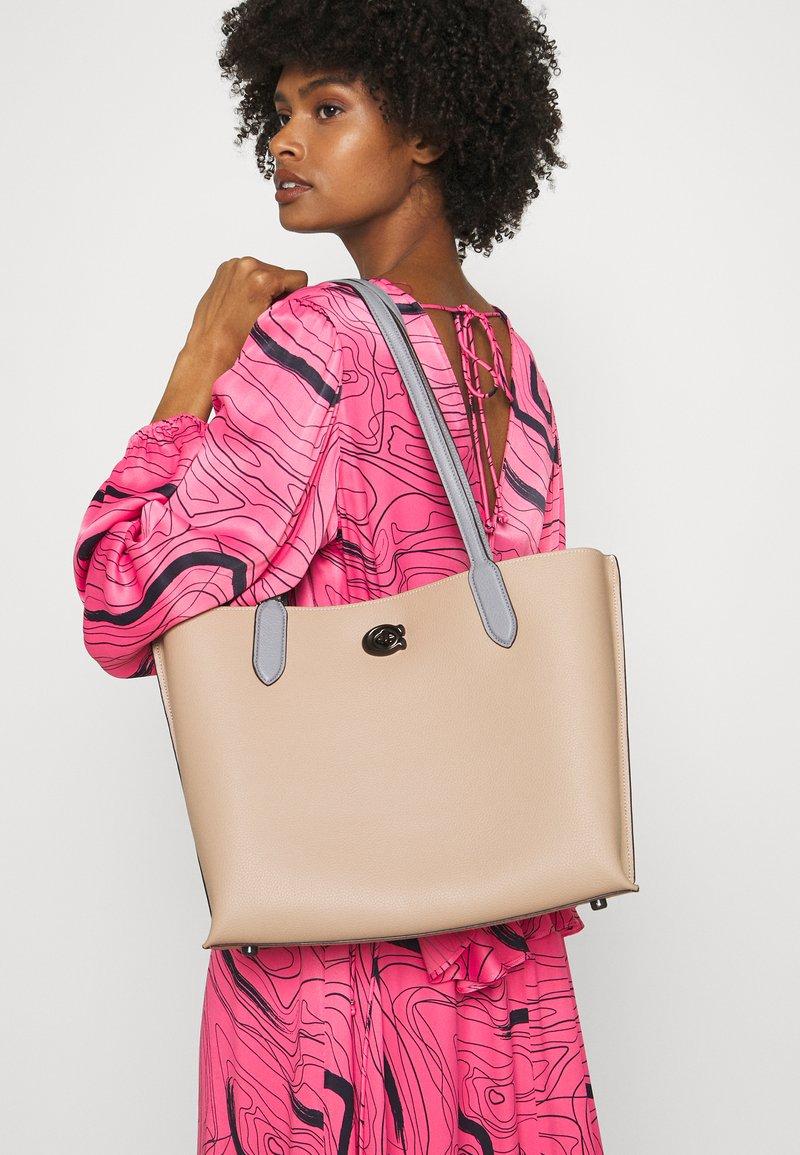 Coach - COLORBLOCK WILLOW TOTE - Handbag - taupe multi
