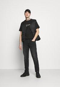 Redefined Rebel - COPENHAGEN - Jeans a sigaretta - charcoal - 1