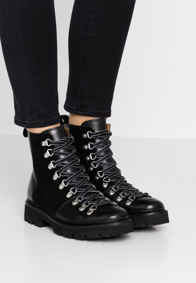 NANETTE - Bottines à plateau - black