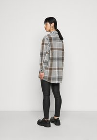 ONLY Petite - ONLELLENE VALDA CHACKET - Short coat - chipmunk - 2