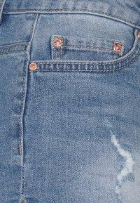 ONLY - ONLCARMEN LIFE - Denim shorts - medium blue denim - 2
