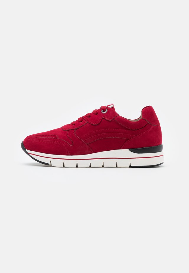 LACE UP - Sneakers laag - red
