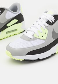 Nike Golf - AIR MAX 90 G - Zapatos de golf - white/particle grey/black/light smoke grey - 5
