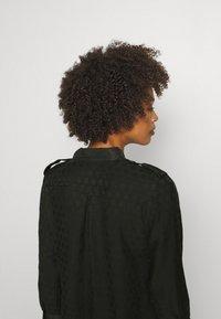 Desigual - TRIESTRE - Abito a camicia - black - 3