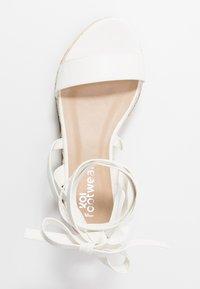 Koi Footwear - VEGAN FAN - Platform sandals - white - 3