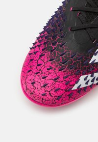 adidas Performance - PREDATOR FREAK .1 FG UNISEX - Moulded stud football boots - core black/footwear white/shock pink - 5