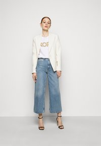 MICHAEL Michael Kors - STUDDED CLASSIC TEE - T-shirt con stampa - white - 1