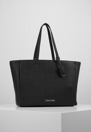 TASK - Shoppingveske - black