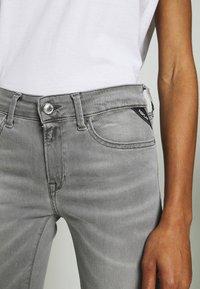 Replay - NEW LUZ HYPERFLEX BIO - Jeans Skinny Fit - medium grey - 6