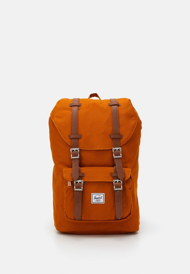 LITTLE AMERICA MID VOLUME - Mochila - pumpkin