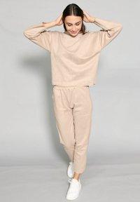 Riquai Clothing - Trousers - beige - 1