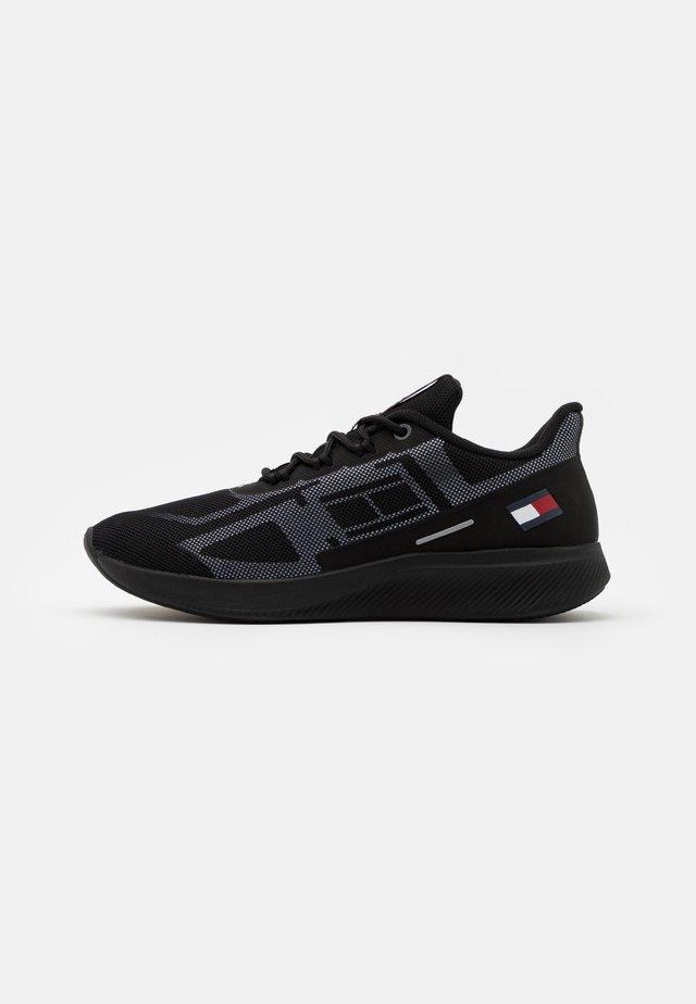 PRO 1 - Sports shoes - black