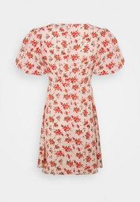Missguided - FLORAL PUFF SLEEVE SKATER DRESS - Korte jurk - pink - 1