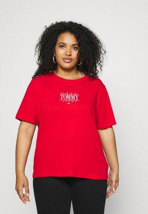 ESSENTIAL LOGO TEE - T-shirts med print - deep crimson