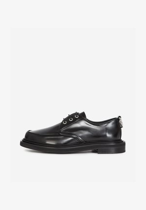 DERBIES - Stringate - black