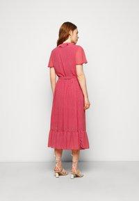 MICHAEL Michael Kors - PRINTED MIDI DRESS - Day dress - crimson - 2