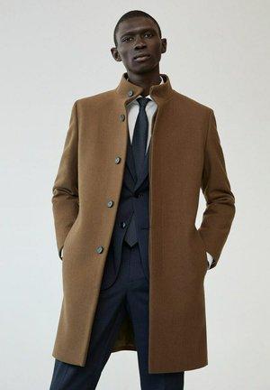 Abrigo clásico - mittelbraun