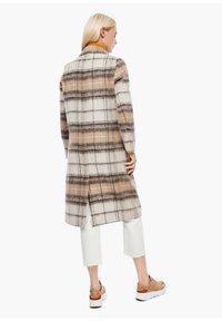 s.Oliver - MIT KAROMUSTER - Short coat - brown check - 2