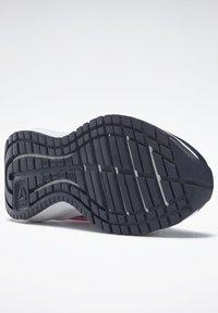 Reebok - ROAD SUPREME 2 ALT SHOES - Neutral running shoes - dark blue/pink - 9
