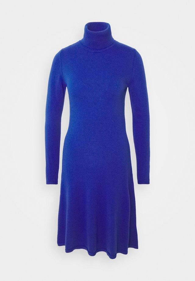 DRESS - Sukienka dzianinowa - blue