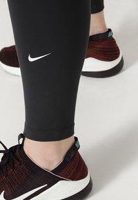 Nike Performance - ONE PLUS - Legginsy - black/white - 4