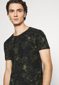 Blend - TEE - Print T-shirt - deep depths - 3