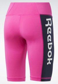 Reebok - MEET YOU THERE TRAINING 1/4 - kurze Sporthose - pink - 8