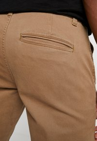 Only & Sons - ONSTARP WASHED - Chino kalhoty - kangaroo - 4