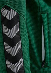 Hummel - HMLAUTHENTIC  - Training jacket - evergreen - 4