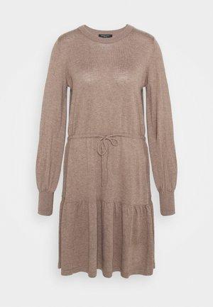 KINDLE OFELIA DRESS - Pletené šaty - roasted grey khaki