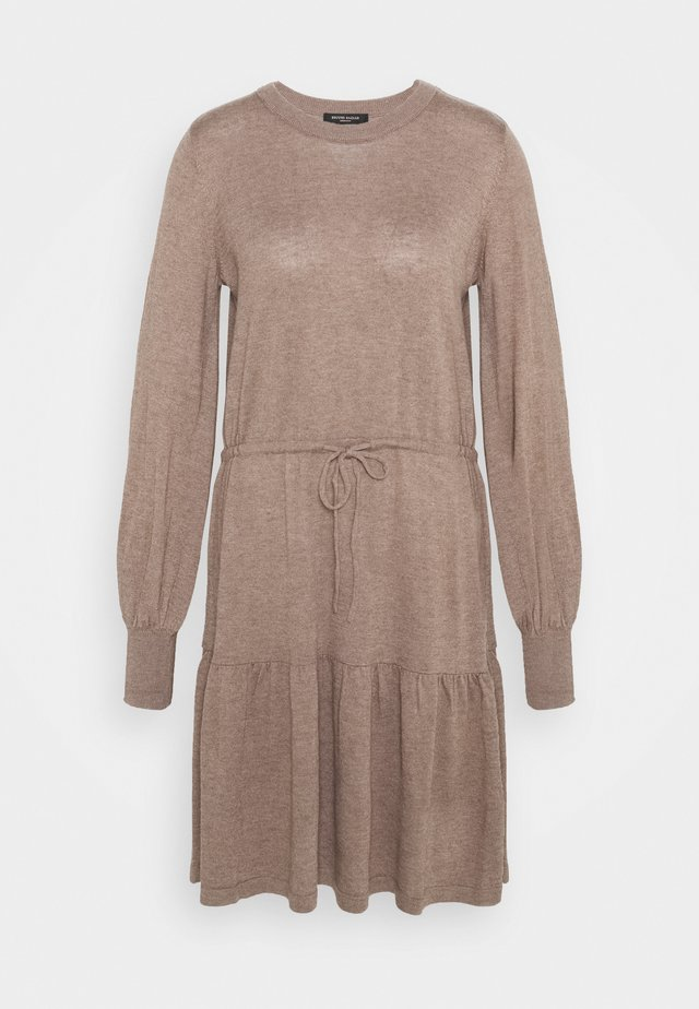 KINDLE OFELIA DRESS - Pletené šaty - roasted grey khaki