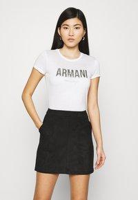 Armani Exchange - T-shirts med print - optic white - 0