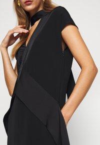 Victoria Victoria Beckham - DIAMOND DRAPE DRESS - Koktejlové šaty/ šaty na párty - black - 9