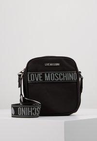 Love Moschino - Olkalaukku - black - 0