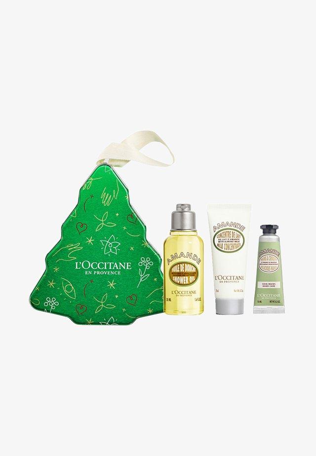 ALMOND COLLECTION CHRISTMAS TREE - Bath and body set - almond