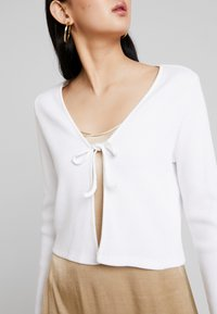 Monki - MATHILDA CARDIGAN - Kardigan - white light - 3