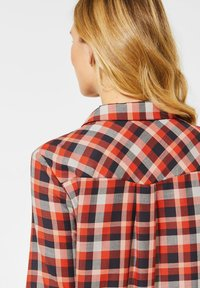Cecil - MIT KAROMUSTER - Button-down blouse - orange - 2