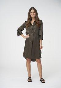 Dea Kudibal - KAMILLE - Shirt dress - dark olive - 0