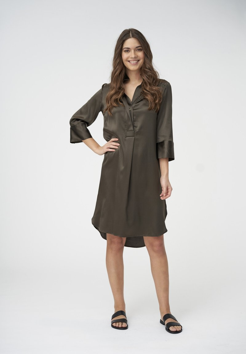 Dea Kudibal - KAMILLE - Shirt dress - dark olive