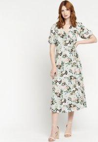 LolaLiza - FLORAL  - Day dress - licht green - 1