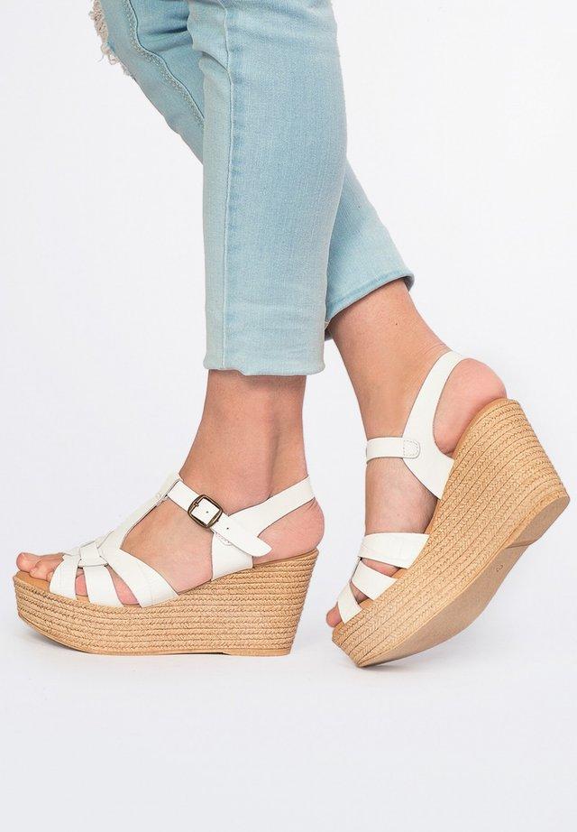 High heeled sandals - 001