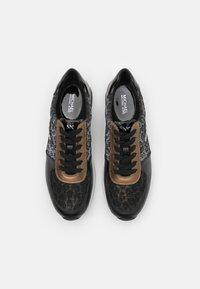 MICHAEL Michael Kors - ALLIE TRAINER - Zapatillas - black/bronze - 4