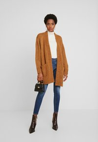 Vero Moda - VMKAKA OPEN COATIGAN - Cardigan - tobacco brown/black - 1