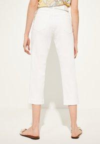 comma casual identity - MIT BINDEGÜRTEL - Trousers - white - 2