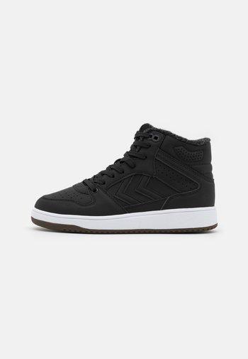 ST POWER PLAY MID WINTER UNISEX - Sneakers alte - black