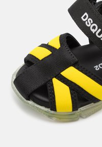 Dsquared2 - UNISEX - Sandals - blue/yellow - 5