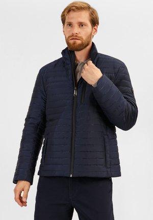 MIT PRAKTISCHEN TASCHEN - Light jacket - dark blue